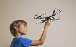 Drones: Curitiba tem escola de pilotagem para crianças