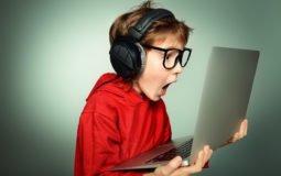 Conteúdos maliciosos na web: saiba como proteger seus filhos