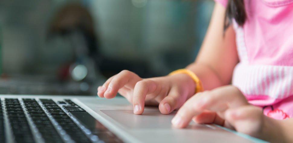 Como manter as crianças seguras na internet?