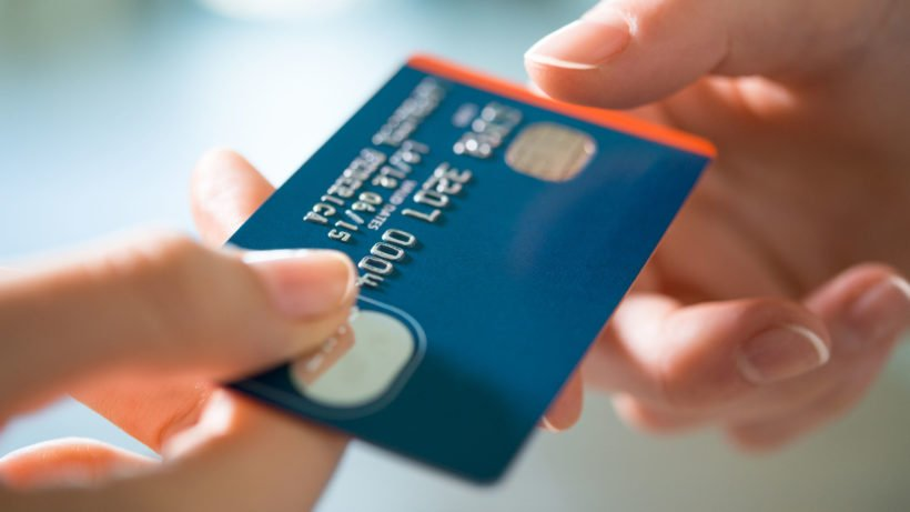 Carnaval: como evitar golpes no cartão de crédito durante a festa