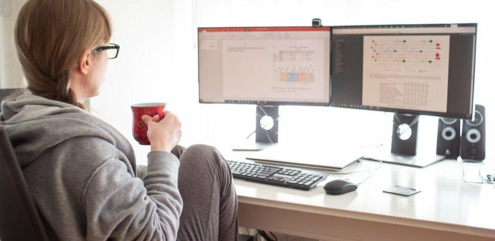 Saiba como usar dois monitores para trabalhar no home office